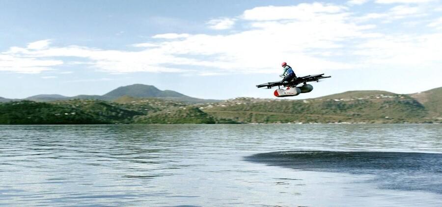 Den flyvende bil skulle være på vej.