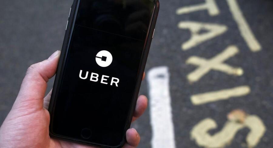 Sagen vedrørende anseelige bøder til fire tidligere Uber-chauffører er mandag indledt i Østre Landsret.