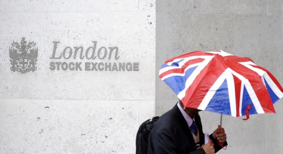 Børsen i London skiller sig ud i ellers negativt europæisk aktiemarked.