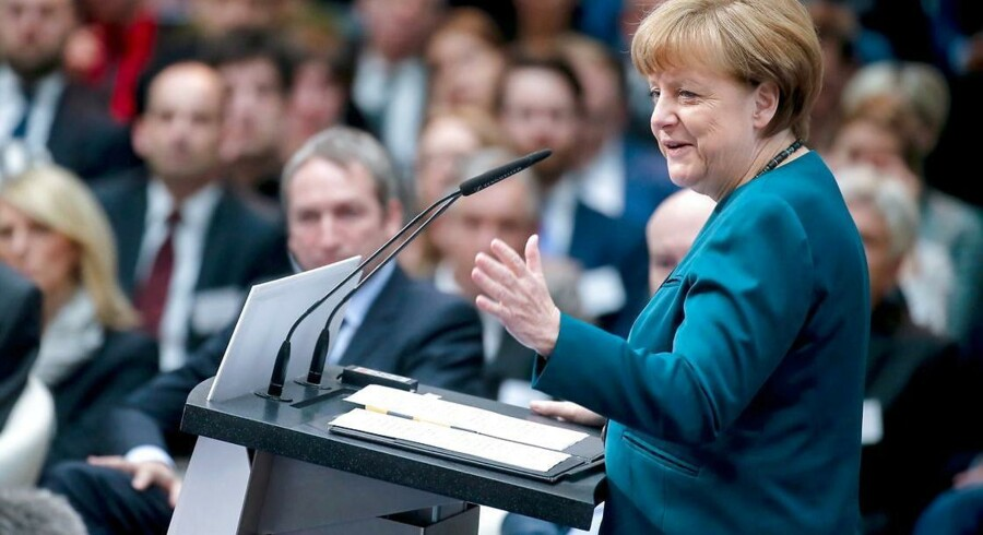 Angela Merkel vil bruge tyske tropper til terrorsikring i Tyskland.