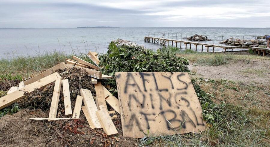 Sankt Hans-bål blev i år aflyst flere steder i landet. Afbrændingsforbuddene fortsætter. (Foto: Keld Navntoft, Ritzau/Scanpix)