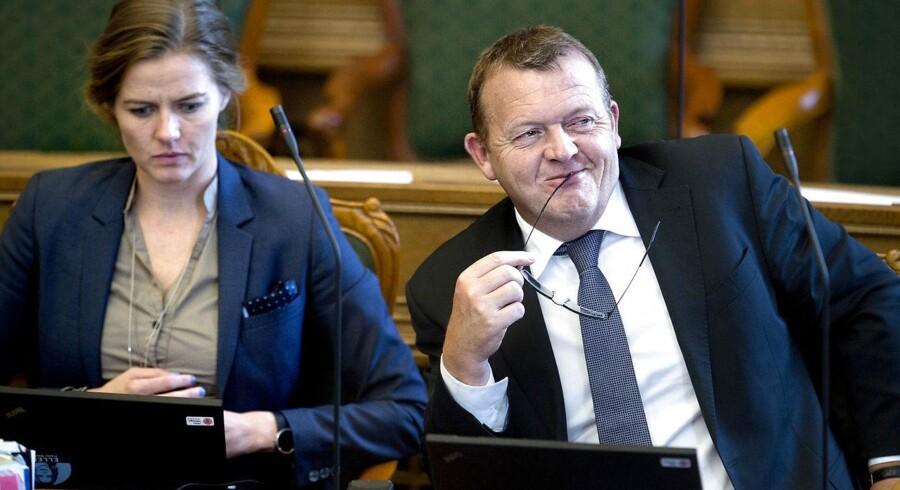 Venstres politiske ordfører, Ellen Trane Nørby (tv.) talte konsekvent udenom, da hun i DRs nyheder skulle svare på, hvorfor Lars Løkke Rasmussens (th.) bilag ikke kunne offentliggøres det ene øjeblik, mens det godt kunne lade sig gøre det næste øjeblik.