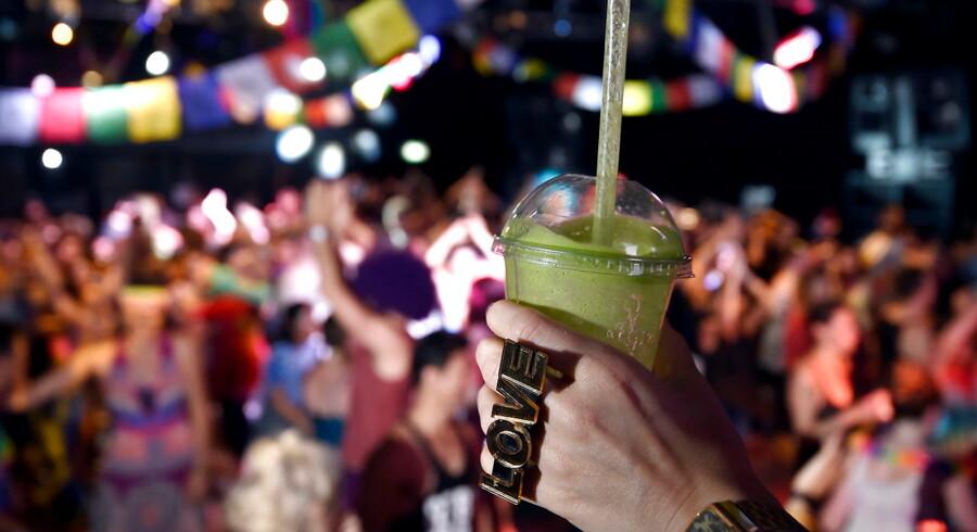Clubbing. REUTERS/Toby Melville