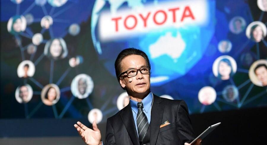 Arkivfoto. Den japanske bilproducent Toyota havde et flot andet kvartal 2016/17, hvor resultaterne overgik markedets forventninger.