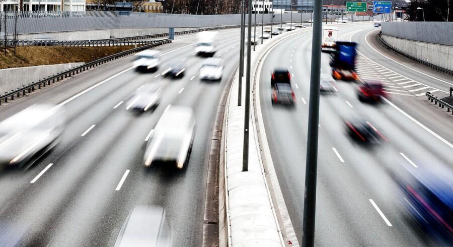 Dansk Folkeparti har foreslået at afskaffe kravet om lægeerklæring fra bilister over 75 år. Læger kalder nu forslaget for farligt.