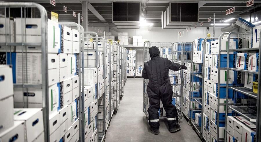 Chr. Hansen er verdens største producent af bakterier, kulturer og enzymer til mejerprodukter, og andre fødevarer.De fleste bakterier fremstilles på selskabets fabrik i Avedøre. Når bakterierne er fremstillet, bliver de pakket og opbevaret i fryselagre ved -55 grader.