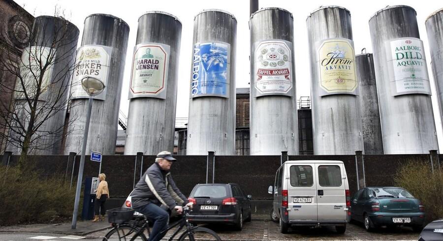 De Danske Spritfabrikker lukkede mandag morgen ned efter 84 år med produktion af spiritus i Aalborg. Produktionen rykker nu til Norge.