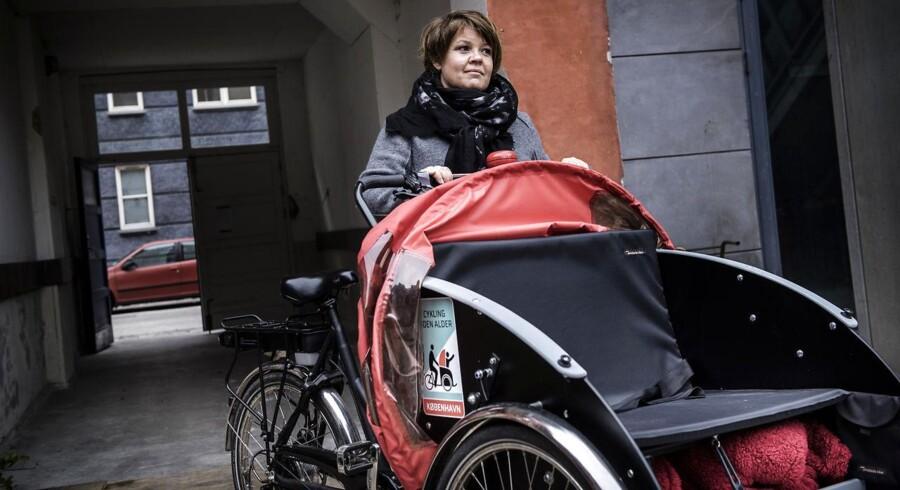 Dorthe Pedersen, som ansvarlig for et cykel-initiativ til ældre, fik stjålet to af foreningen »Cykling uden alders« ladcykler. Senere fandt hun dem på Facebook. Meldingen fra politiet: intet at gøre. Det er et stigende problem, at hælervarer flyder frit rundt på Facebook, Den Blå Avis og andre steder på nettet.