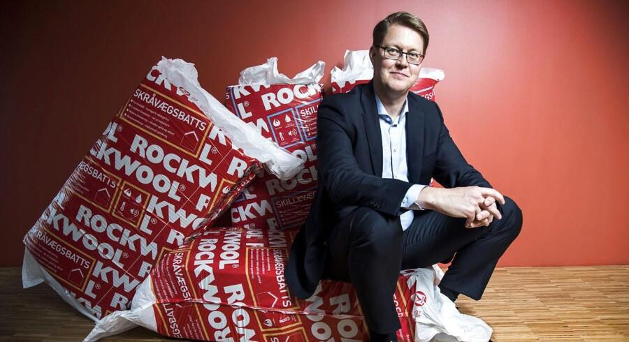 Rockwools direktør Jens Birgersson. Der var et fald i Rockwools salg i Rusland. Og selv om selskabets lokale folk tror, at det russiske marked så småt er ved at vågne, mener stenuldsproducenten topchef, Jens Birgersson, at man skal slå koldt vand i blodet.