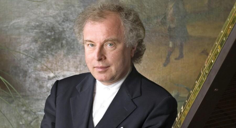 Pianist András Schiff får seks stjerner for koncerten i DR Koncerthuset. Foto: Birgitta Kowsky