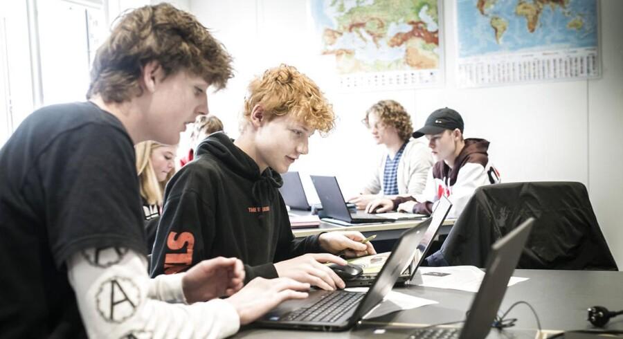 Når det handler om at løse problemer i samarbejde, indtager danske elever indtager tiendepladsen, viser ny PISA-undersøgelse. Arkivfoto fra undervisning på Højdevangens Skole på Amager.