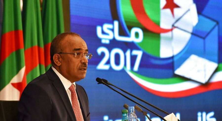 Valgresultatet bliver annonceret af Interior and Territorial Collectivities Ministeren Noureddine Bedoui,