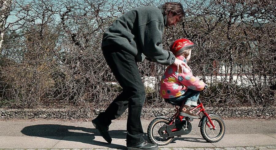 Gode vaner bliver ikke overraskende grundlagt tidligt. Derfor skal selv de mindste børn lære at gebærde sig i trafikken. Og helst med de voksne som forbilleder.