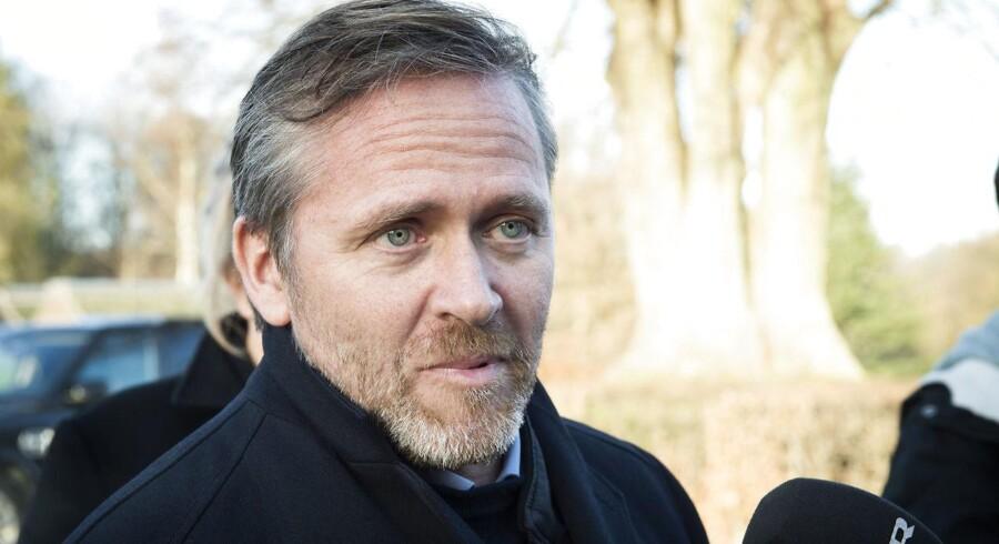 Når der står i regeringsgrundlaget, at skatteforhandlingerne kommer i løbet af foråret, så kan vi heller ikke garantere for regeringens overlevelse efter grundlovsdag, hvis de forhandlinger ikke kommer i løbet af foråret, siger Anders Samuelsen.
