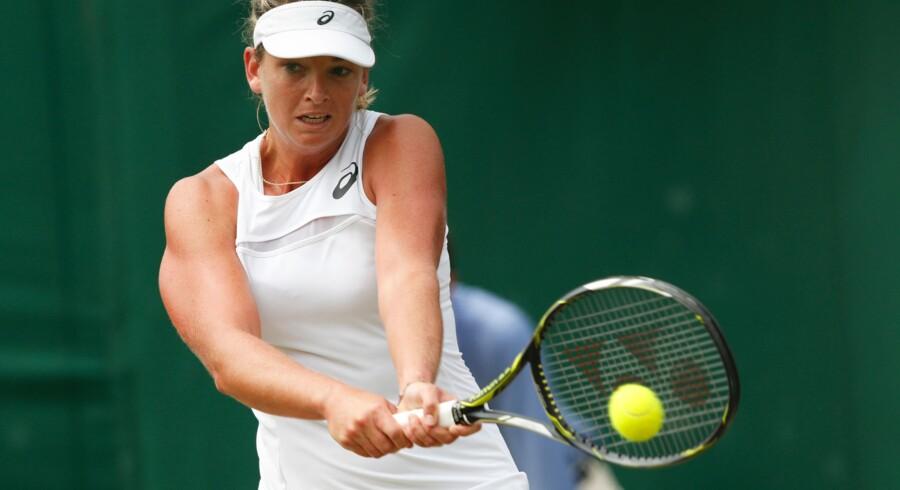 Coco Vandeweghe slår hårdt i serv og grundspil, men bevæger sig knap så godt på banen, vurderer Caroline Wozniacki. Scanpix/Adrian Dennis