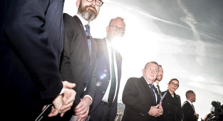 Der var blå himmel, da regeringen 9. oktober præsenterede sit klimaudspil på et pressemøde ved BLOX i København. Men vi skal være mere ambitiøse på klimaområdet. Før større politiske tiltag bør det være standard at tage højde for, om tiltaget hjælper os i f.t. klimamålene eller tværtimod gør opgaven større, mener Connie Hedegaard.