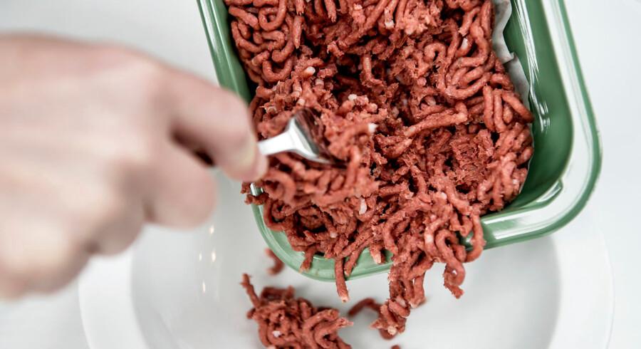 Naturli's hakkede plantebaserede kød, der er lavet på blandt andet rødbeder. Nestle vil forsøge at imødekomme den store efterspørsel på veganske produkter blandt forbrugerne og kaster sig over ikke-animalske burgerbøffer og valnøddemælk.