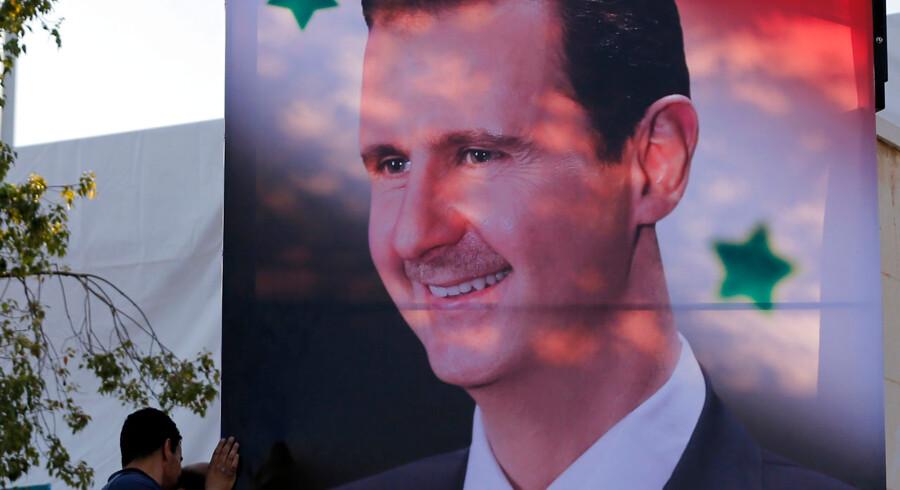 Naboerne, der tidligere har givet den syriske præsident, Bashar al-Assad, den kolde skulder, er nu begyndt at tilnærme sig ham. Foto: Louai Beshara/AFP Scanpix