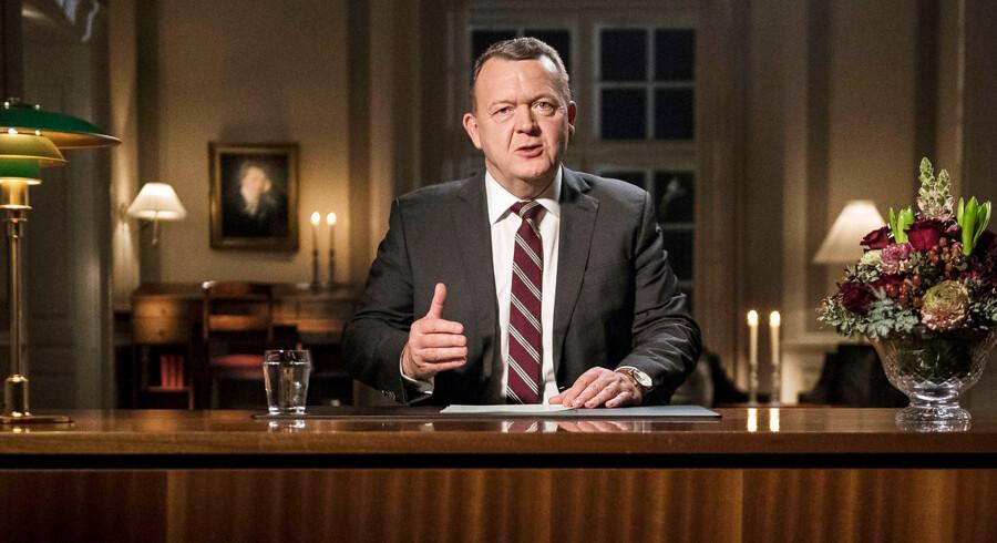 Statsminister Lars Løkke Rasmussens (V) nytårstaler er som hovedregel lettere at forstå end mange af hans forgængeres nytårstaler. Lixtallet er nemlig lavere. Men »det er en misforståelse, at man skal tale i lutter korte sætninger«, siger retorikprofessor.