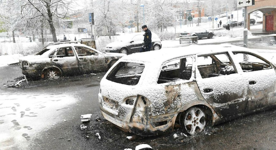 Stockholm-forstaden Rinkeby har været plaget af optøjer og bandeopgør. Efter at det er lykkedes at anholde ledende bandemedlemmer og fået idømt dem langvarige fængselsstraffe, er der sket en markant nedgang i antallet af skyderier i området.