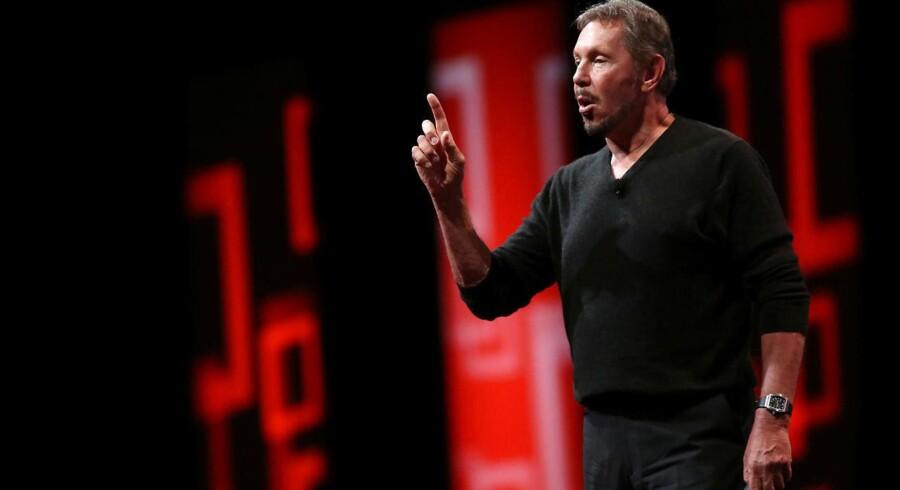 Oracle-stifter Larry Ellison skal nu holde sin gode ven, Elon Musk, i ørerne i Tesla. Arkivfoto: Robert Galbraith, Reuters/Scanpix