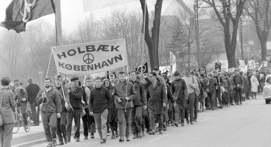Atommarchen fra Holbæk til København i 1962. Marchen havde ved sin afslutning på Rådhuspladsen en tilslutning på omkring 25.000 mennesker, hvilket var usædvanligt mange i en tid, hvor folkelige protester og demonstrationer var et særsyn.