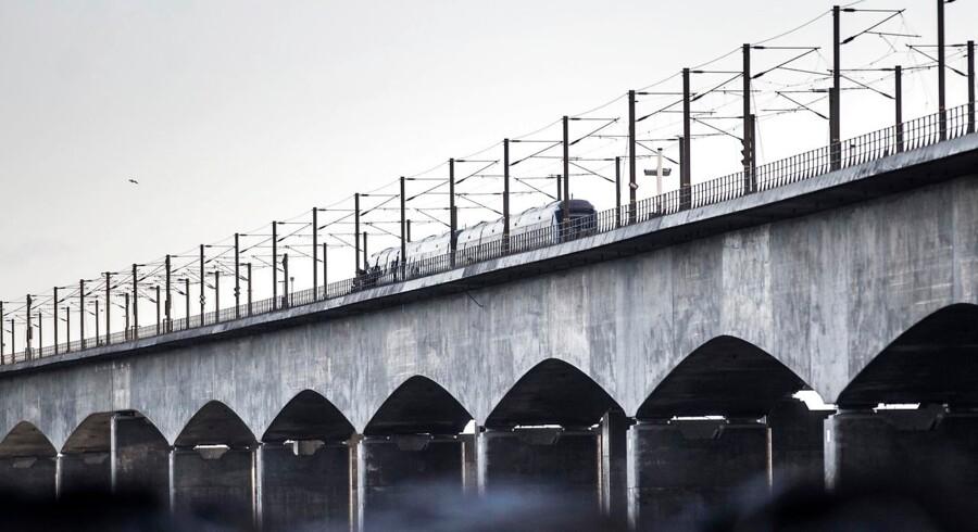 Seks mennesker har mistet livet i en togulykke på Storebæltsbroen onsdag morgen. 16 personer er blevet kvæstet.