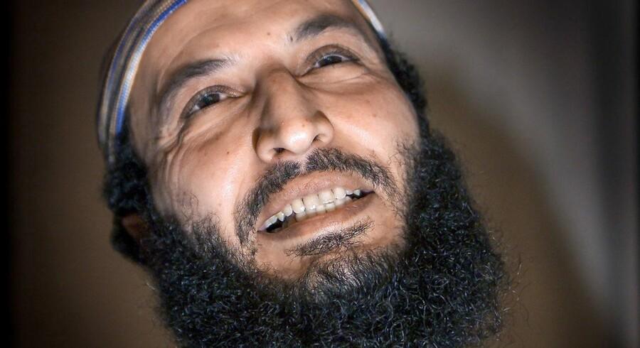 I årevis har »Boghandleren fra Brønshøj« alias Sam Mansour propaganderet for terror. Han har samtidig kæmpet imod en udvisning fra Danmark, men nu er han sendt hjem til Marokko.