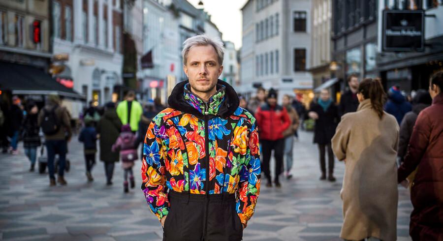 Bjarke Serritslev er homoseksuel og har oplevet talrige ubehageligheder i offentligheden.