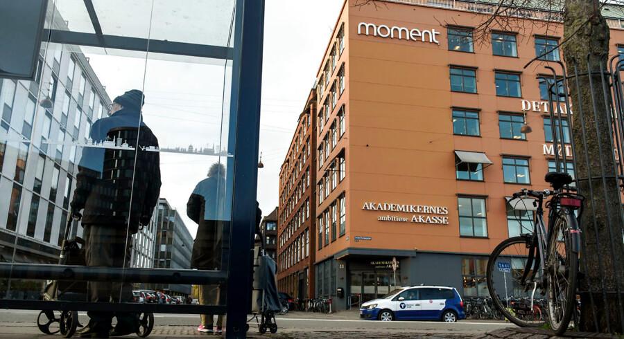 Akademikernes A-kasse ved Vesterport i København har fået hele ledelseslaget udskiftet, siden sagen om økonomiske uregelmæssigheder begyndte at rulle i det sene efterår 2018.