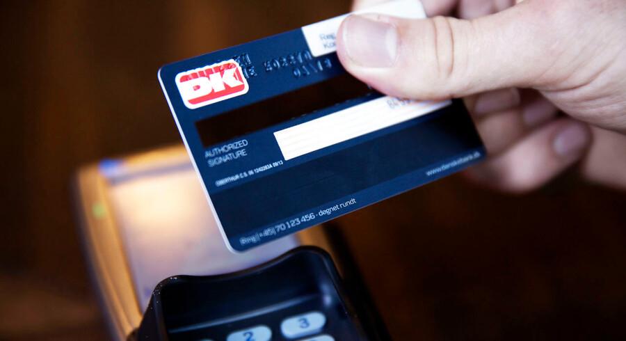 Jyske Bank vil splitte Visa/Dankortet op i to, og det er ifølge Forbrugerrådet Tænk første skridt mod et farvel til Dankortet. Arkivfoto: Erik Refner/Ritzau Scanpix