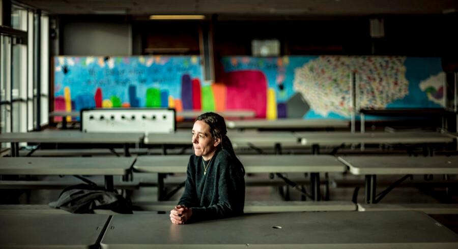 Christina Holm Poulsen, forsker og lektor ved University College Syd, påpeger, at problemet med inklusion opstår, hvis man alene flytter børn med særlige behov ind i en almindelig folkeskole, men ikke arbejder med at gøre dem til en del af fællesskabet. »Det er vigtigt, at børnene oplever at være inddraget og have indflydelse i klassen,« forklarer hun.