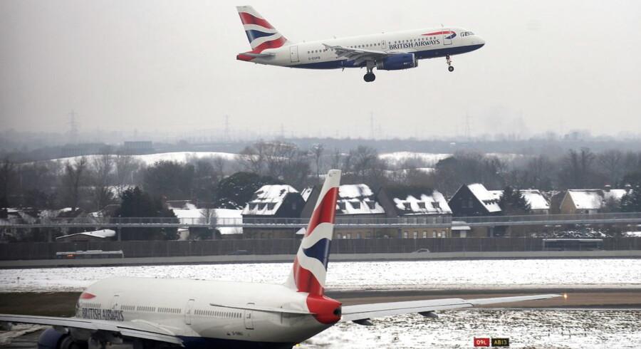 Londons store lufthavn Heathrow stopper alle afgange.