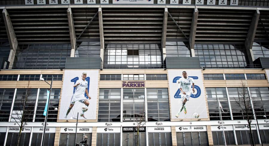 Storaktionærer afviser salg af selskabet bag fodboldklubben FC København.