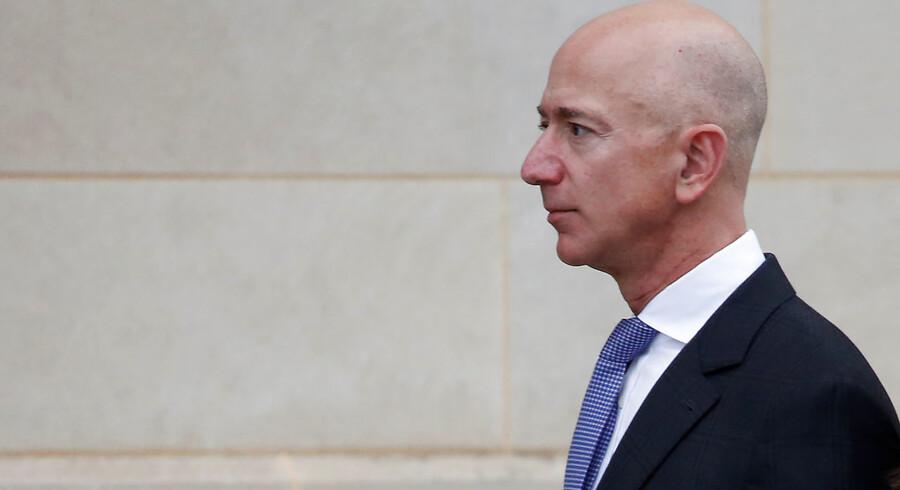 Ifølge lovgivningen i staten Washington, hvor Jeff Bezos har boet med sin kone, skal værdier optjent i løbet af et ægteskab deles lige i tilfælde af en skilsmisse. I Jeff Bezos tilfælde svarer halvdelen af værdierne til over 440 mia. kroner