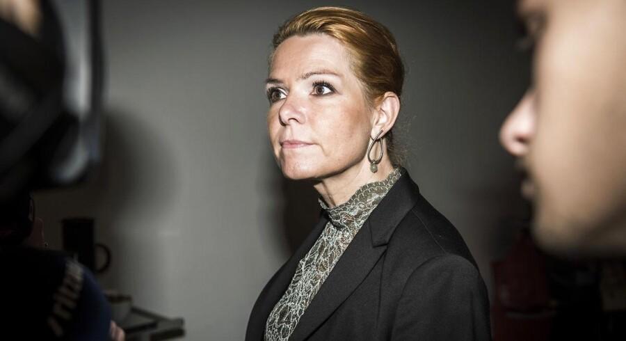 Udlændinge- og integrationsminister Inger Støjberg (V) mener, at børnene på Sjælsmark har gode forhold. Men deres forældre har taget dem som gidsler i en svær situation, og derfor har de det dårligt.