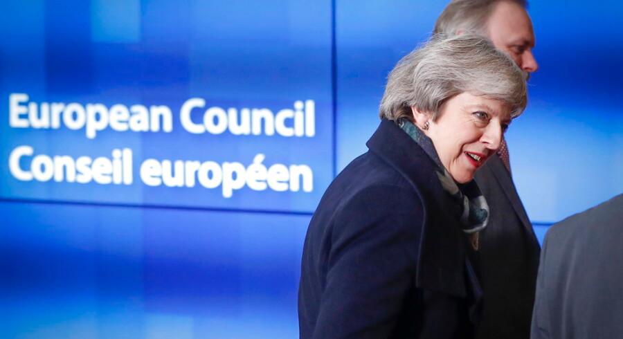 Arkivfoto. Den britiske premierminister Theresa May ankommer her til møde med Det Europæiske Råds præsident Donald Tusk i Bruxelles 11. december 2018.