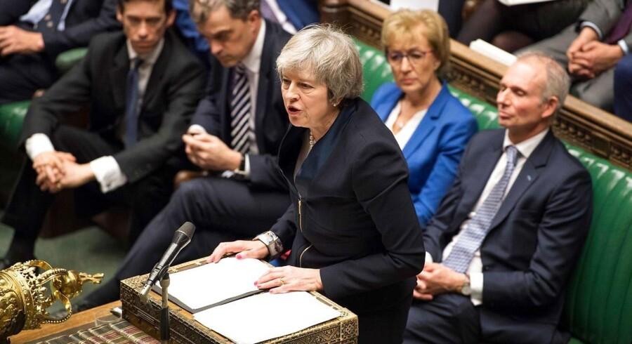Mays forsvarede indædt sin Brexit-aftale i går aftes. Men helt som ventet mødte den massiv modstand.