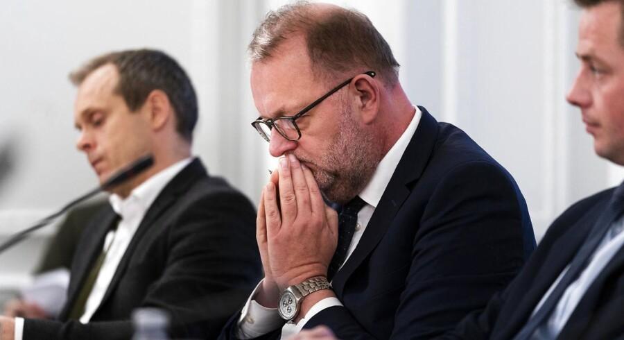 Klimaminister Lars Christian Lilleholt (V) vil ikke svare på, om regeringen har diskuteret at nedlægge Klimarådet i regeringsregi, som Information har skrevet.