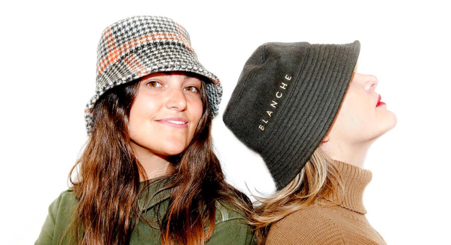 Iværksætterne Melissa Bech (tv.) og Mette Fredin Christensen lavede en CSR-strategi, før de havde deres tøjkollektion på plads.