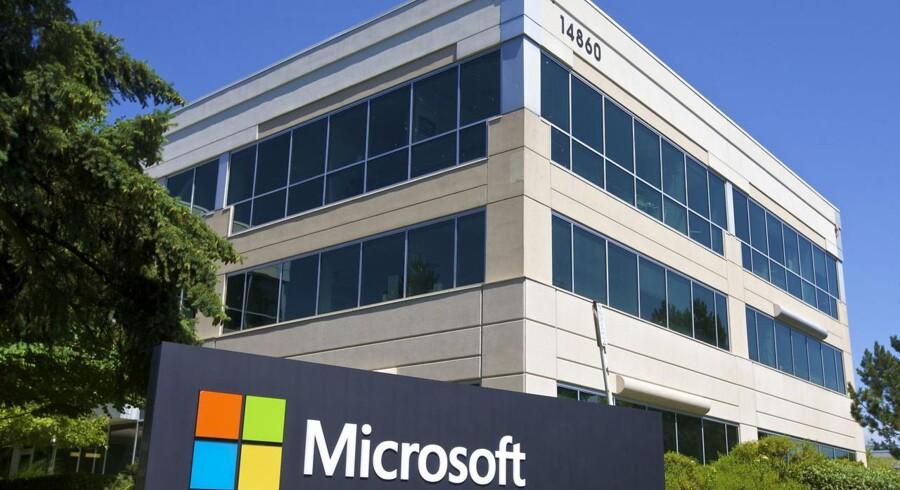 Et hjørne af Microsofts hovedkvarter i Redmond, Washington. Nærmere bestemt det, der internt i selskabet kaldes Hus nr. 114. Husnummeret røber, at det nok er en temmelig lang vej.