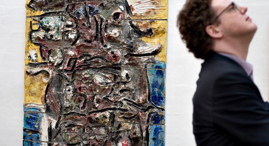 Asger Jorns »EXPO JORN - kunst er fest« ustilling. Her ses nogle af Jorns keramiske værker.