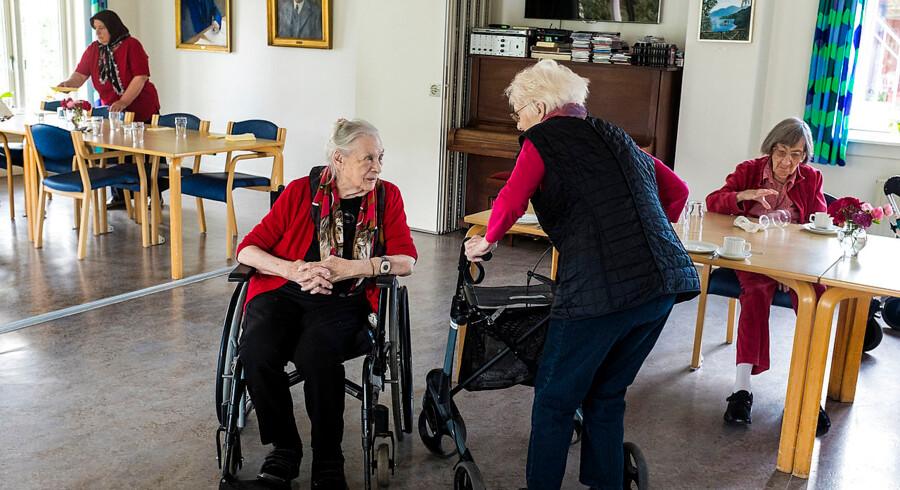Sundhedsreformen glemmer et hjørne af sundhedsvæsenets Bermudatrekant, mener Ældre Sagen. Ordet plejehjem er blot nævnt to gange i regeringens 140 sider lange sundhedsudspil, og ifølge Dansk Industri kommer der til at mangle 35.000 plejepladser i 2030.
