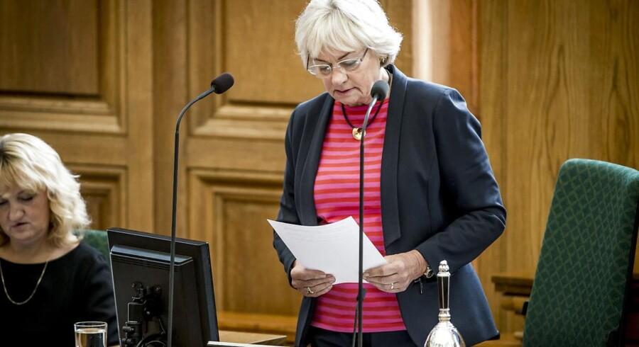 »Vi har en tradition for i Folketinget for at debattere på en ordentlig måde,« siger Pia Kjærsgaard.