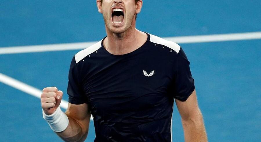 Andy Murray på banen i Melbourne Arena, Australien.