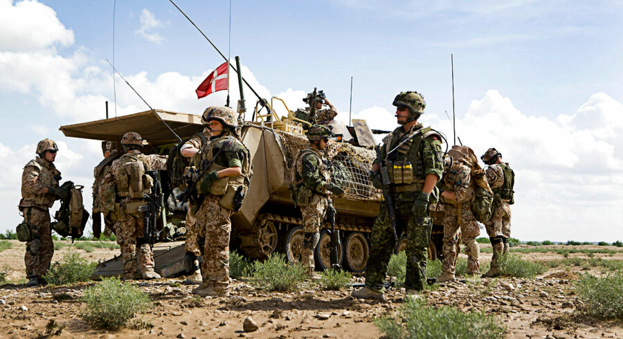 Danske soldater gør sig klar til patrulje nord for Gereshk i Helmand-provinsen i 2009 – det år, uniformsbestemmelserne blev liberaliseret.