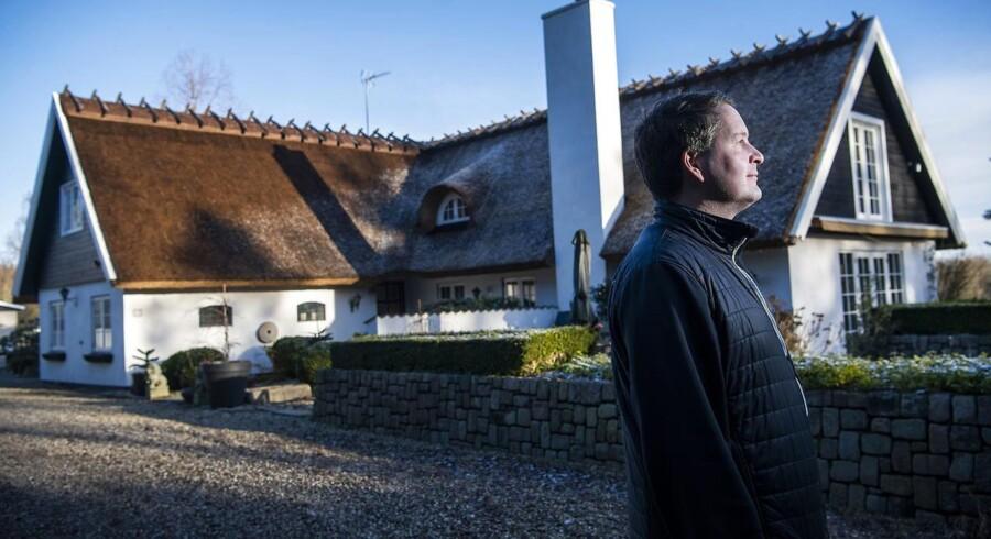 Allan Christian Beck og hustruen har besluttet at betale voldsomt af på gælden på deres tre ejendomme. De vil gerne sikre sig større frihed, når de engang ikke har så store jobindtægter som nu.