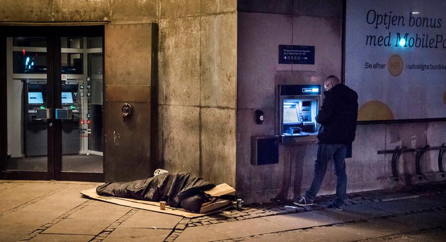 Siden 2002 er de fattigste reelt blevet fattigere, og målt efter den tidligere officielle fattigdomsgrænse er antallet af fattige fordoblet siden 2002.