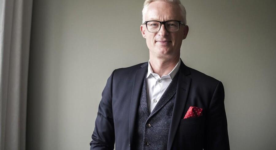 Tryg-direktør Morten Hübbe har tirsdag præsenteret regnskabstallene for 2018 for Danmarks største forsikringsselskab. Forsikringsforretningen går strygende, men politisk uro giver alligevel et dyrt hår i suppen.