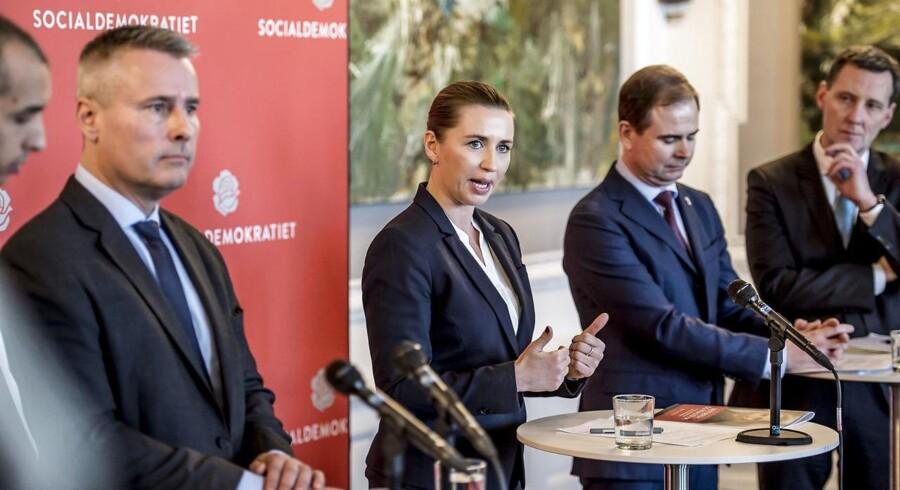 Socialdemokratiet advarer i en intern mail til sine medlemmer mod de danske medier, som ifølge partiet favoriserer den borgerlige regering. Meget problematisk, lyder det fra professor.